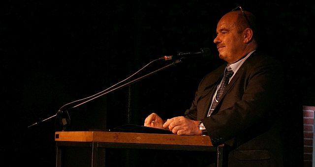Przewodniczący Rady Klastra Morskiego Pomorza Zachodniego, Prezes ZMPSiŚ Dariusz Słaboszewski otworzył Konferencję NaviRail w Szczecinie.