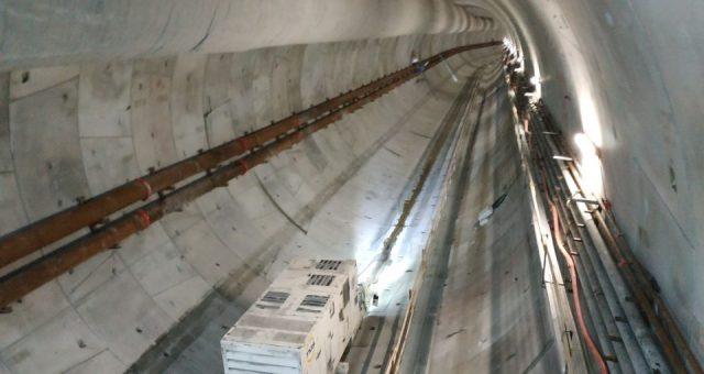 Tunel Świnoujście. Maszyna TBM weszła pod cieślinę Świny